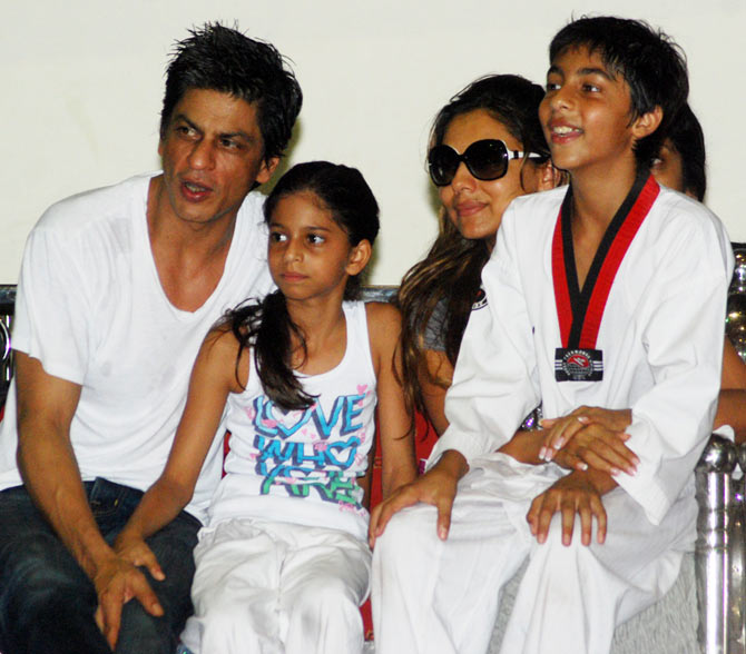 Shah Rukh Khan, Suhana, Gauri and Aryan