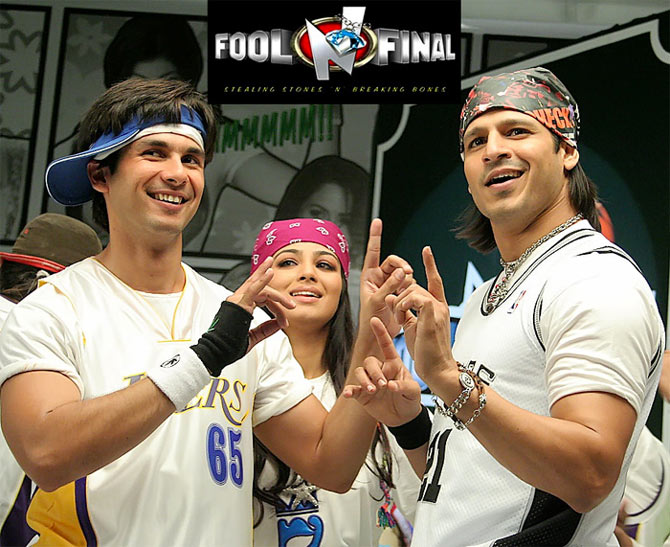 Shahid Kapoor, Ayesha Takia and Vivek Obeori in Fool & Final