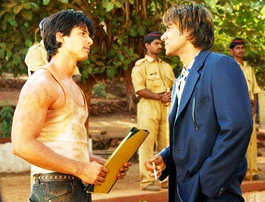 Shahid Kapoor and Ajay Devgn in Shikhar