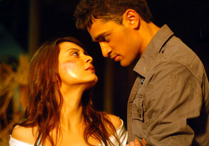 Minissha Lamba and Imran Khan in kidnap
