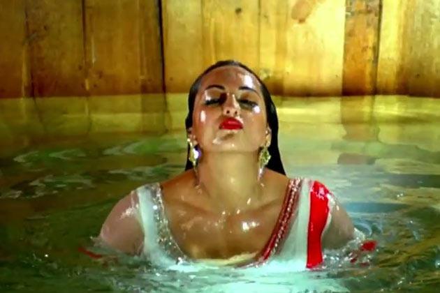 Sonakshi Sinha in R... Rajkumar