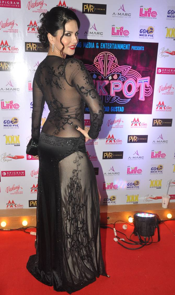 Sunny Leone Hot at Jackpot Screening