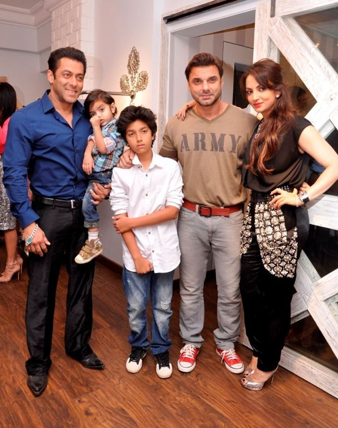 Salman and Sohail Khan woth Seema Khan