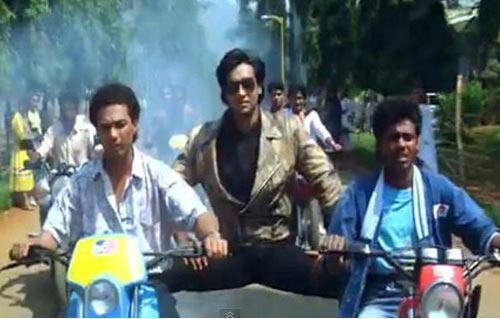 Ajay Devgn in Phool Aur Kaante
