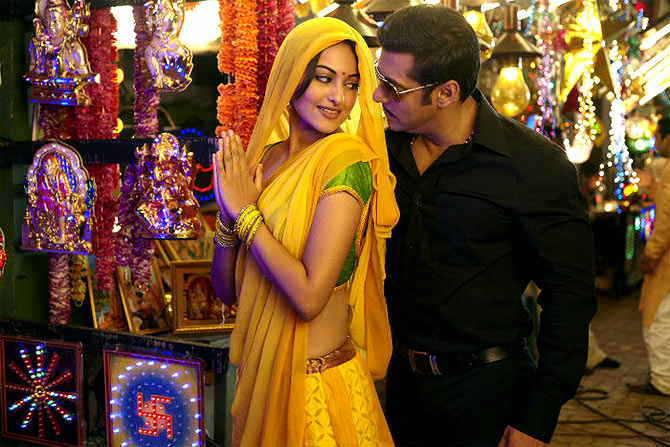 Sonakshi Sinha and Salman Khan in Sabbang