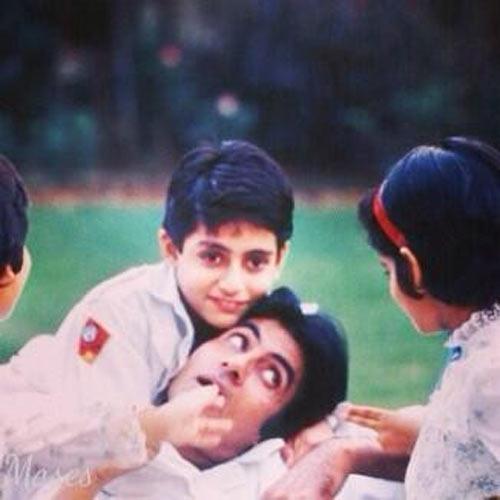 Amitabh Bachchan with young Abhishek Bachchan