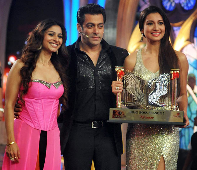 Tanisha Mukherjee with Salman Khan and Gauahar Khan on Bigg Boss 7 finale