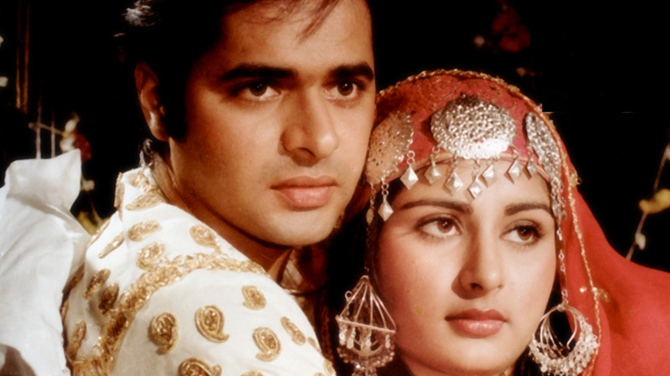 Farooque Sheikh and Poonam Dhillon in Noorie