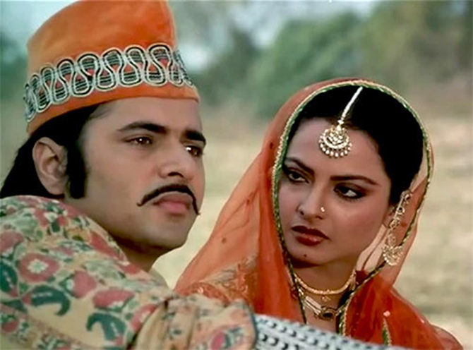 Farooque Sheikh with Rekha in Umrao Jaan.