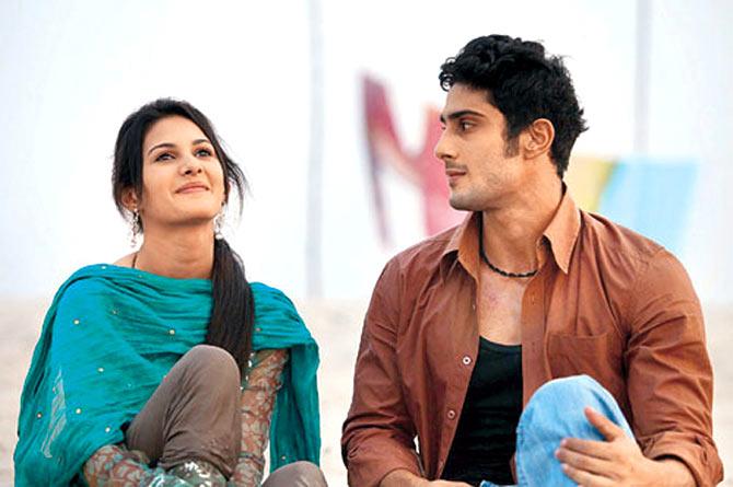 Amyra Dastur and Prateik Babbar in Issaq