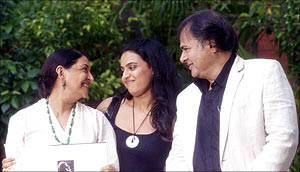 Deepti Naval, Swara Bhaskar and Farooque Shaikh