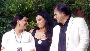 Deepti Naval, Swara Bhaskar and Farooque Shaikh