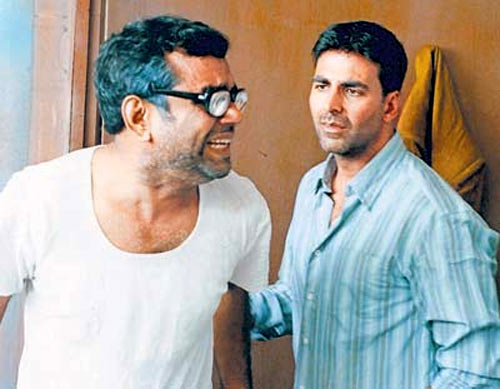 Akshay Kumar with Paresh Rawal in Hera Pheri