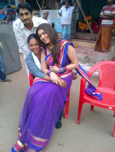 Siddharth and Hansika Motwani on the sets of Theeya Velai Seiyyanum Kumaru