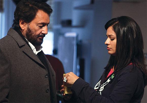 Shekhar Kapur and Pooja Kumar in Vishwaroopam