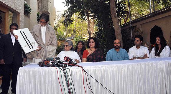 Amitabh, Jaya Bachchan, Bhagyashri Dengle, Govind Nihalani, Abhishek and Aishwarya Rai Bachchan