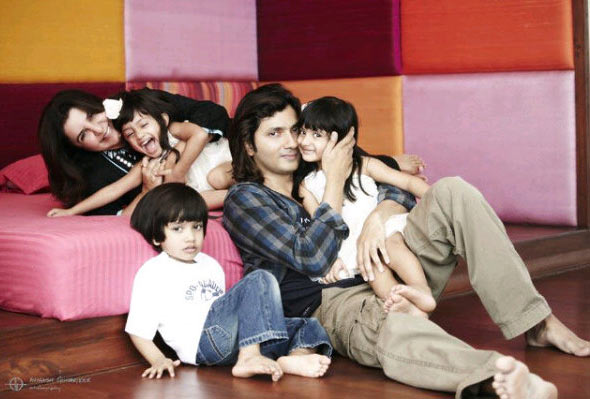 Farah Khan and Shirish Kunder with Czar, Diva and Anya