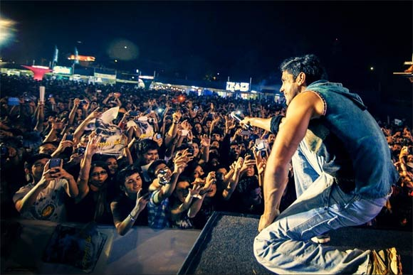 Farhan akhtar during his stage performance