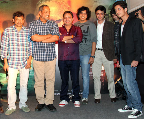 From left to right: Ram Gopal Varma and Nana Patekar with singers Sukhwinder Singh, Rooshin Dalal and Sooraj Jagan