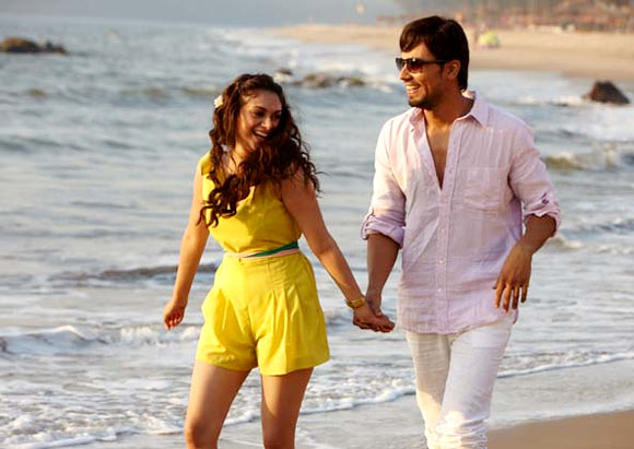 Aditi Rao Hydari and Randeep Hooda in Murder-3
