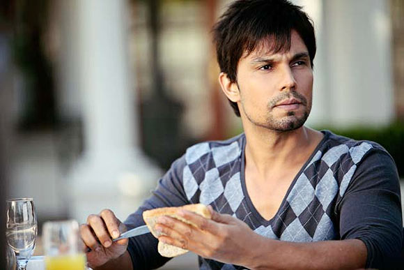 Randeep Hooda in Murder-3