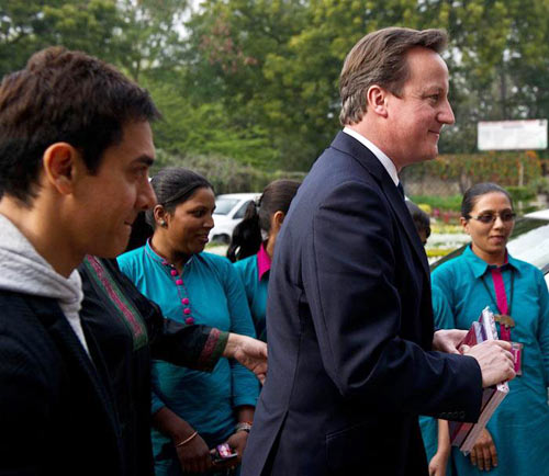 Aamir Khan and David Cameron meet women cab drivers