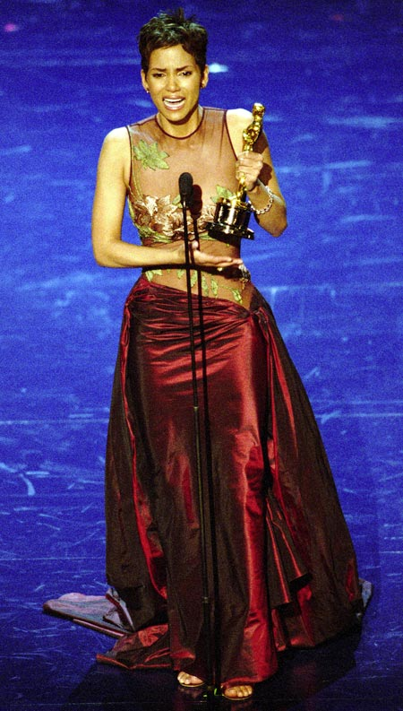 Halle Berry receives her Oscar award in 2002