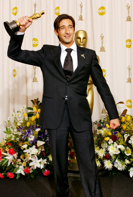 Adrian Brody with his Oscar trophy in 2003