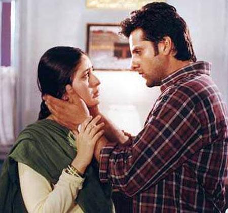 Kareena Kapoor and Fardeen Khan in Dev
