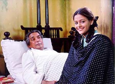 Kaifi Azmi and Mayuri Kango in Naseem