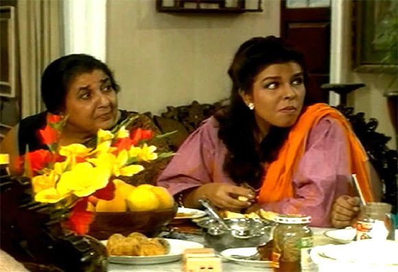 Shammi and Bhavna Balsavar in Dekh Bhai Dekh