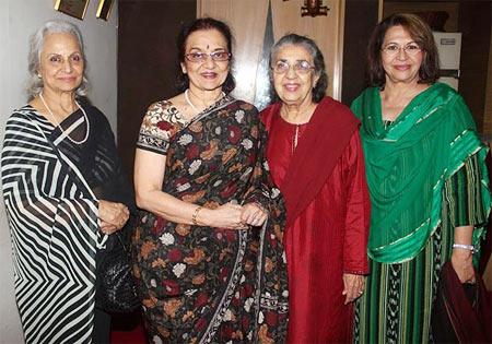 Waheeda Rehman, Asha Parekh, Shammi, Helen