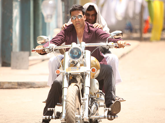 Akshay Kumar and Paresh Rawal in OMG - Oh My God