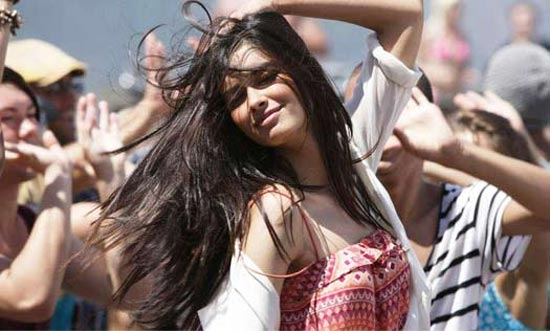 Diana Penty in Tumhi ho Bandhu, Cocktail