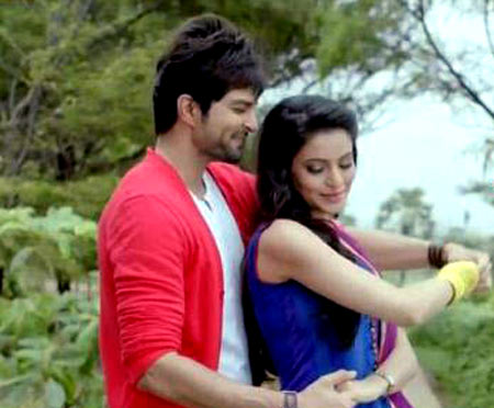 Aamna Sharif with costar Rakesh Bapat in Hongey Juda Na Hum