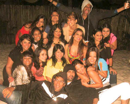 Bipasha Basu with friends, Rocky S in grey hooded jacket and Harman Baweja in grey (bottom)