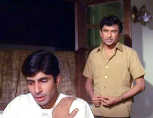 Amitabh Bachchan, Ramesh Deo in Anand