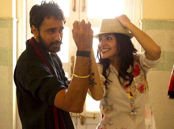 Imran Khan and Anushka Sharma in Matru Ki Bijlee Ka Mandola