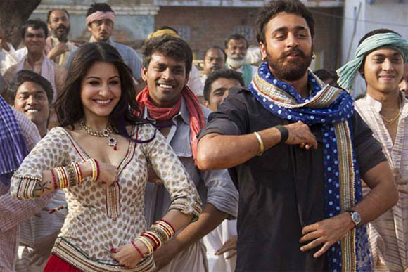 Anushka Sharma and Imran Khan in Matru Ki Bijlee Ka Mandola