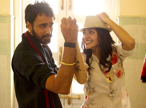 Imran Khan and Anushka Sharma in Matru Ki Bijlee