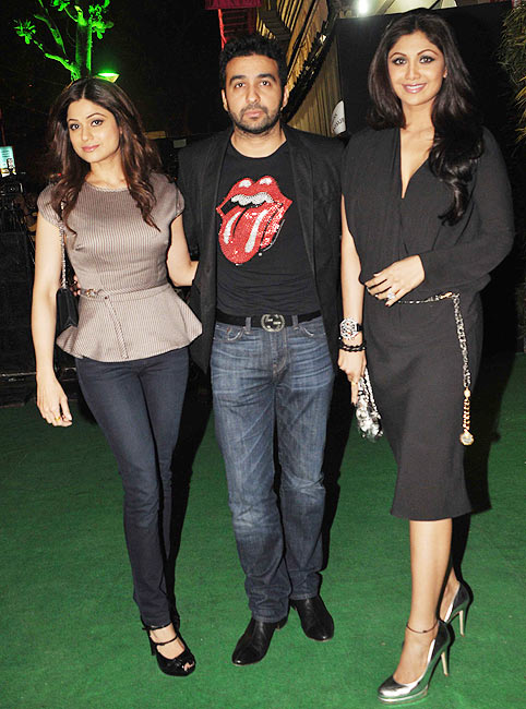 Shamita Shetty with Raj and Shilpa Shetty Kundra