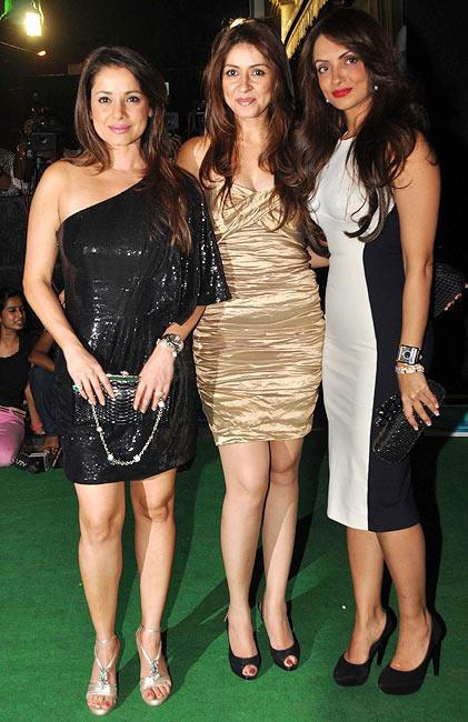 Neelam Kothari, Bhavna Pandey and Seema Khan