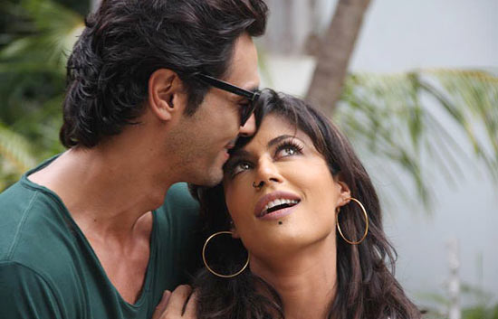 A still from Inkaar where Chitrangada's character is confused about the turn of events in her life