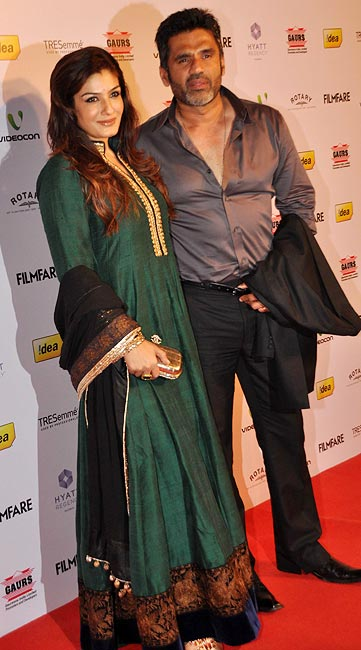 Raveena Tandon and Suniel Shetty