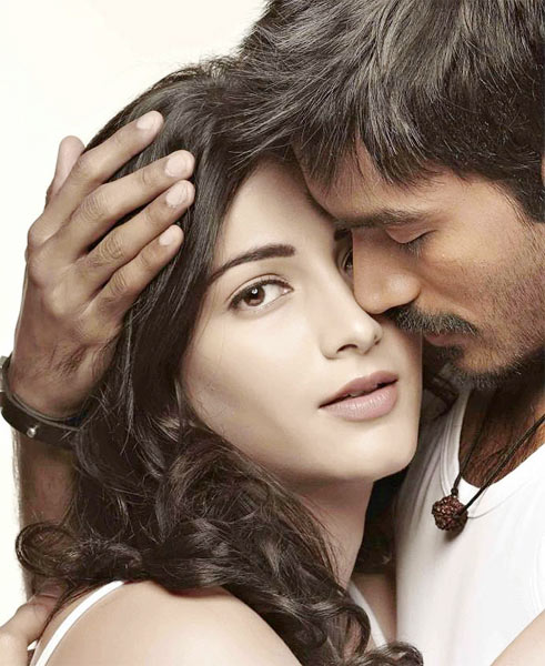 Shruti Haasan and Dhanush in 3