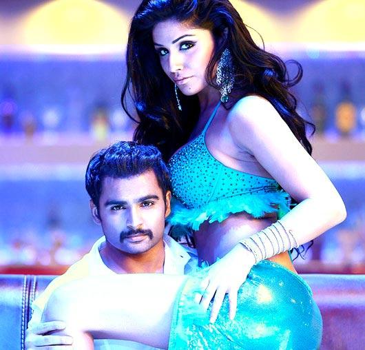 Sachiin Joshi and Gihana Khan in Mumbai Mirror