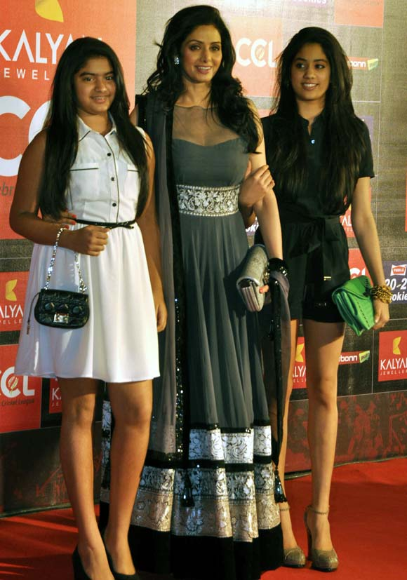 Sridevi with daughters Jahnvi (in black) and Khushi