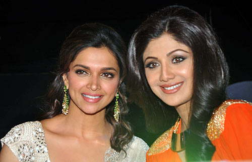 Deepika Padukone and Shilpa Shetty on the sets of Nach Baliye