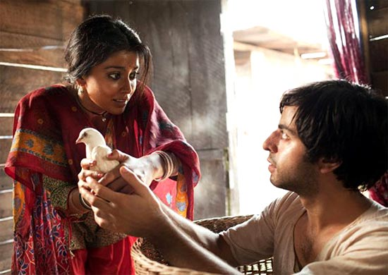 Shriya Saran and Satya Bhabha in Midnight's Children
