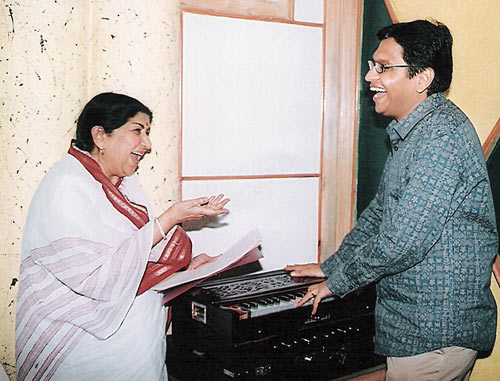 Shamir Tandon, right, with Lata Mangeshkar.